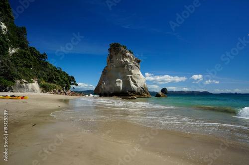 Tuinposter Cathedral Cove Te Hoho Rock, Cathedral Cove, Hahei, Coromandel Peninsula, New Zealand