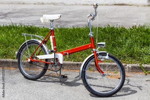 Plexiglas Fiets Vintage classic 70s red folding bicycle bike in perfect condition