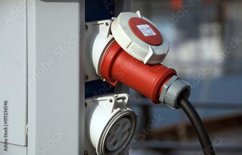 Aluminium Zeilen Stromversorgung eines Segelbootes