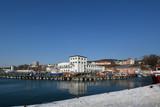 Hafenstadt Sassnitz auf Rügen - 195241399