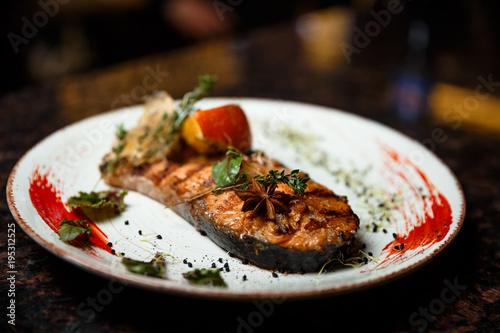 Salmon steak - 195312525