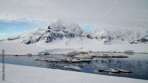 Tuinposter Antarctica Looking down to Port Lockroy on Wiencke Island in Antarctica.