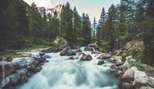 Foto Murales Alpine River in the Italy