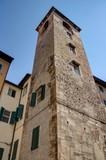 ville de Pise sur les bords de l'Arno en Toscane