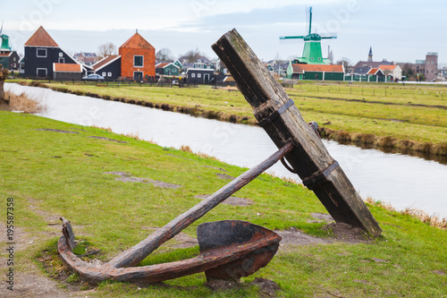 Keuken foto achterwand Schip Old rusted anchor on coast of Zaan river
