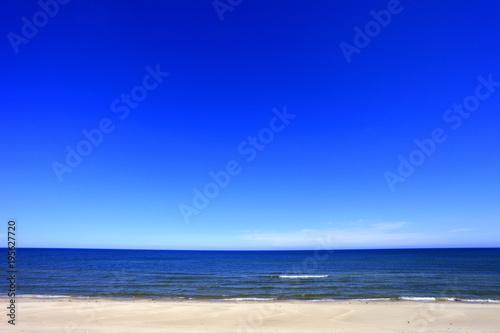 Papiers peints Bleu fonce Sand beach of Baltic Sea central shore near town of Rowy in Poland