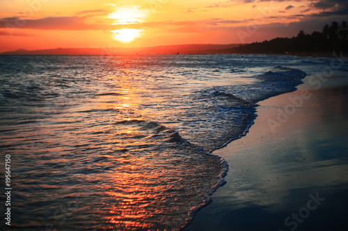 Foto op Canvas Natuur Waves on the beach in the tropics