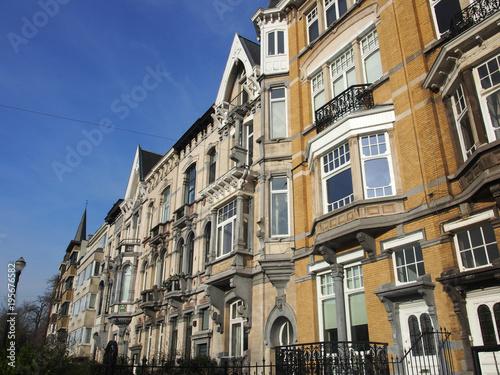 Deurstickers Brussel Brüssel: Altbaufassaden im Sonnenlicht