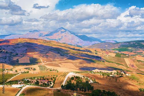 Krajobraz w Segesta na Sycylii