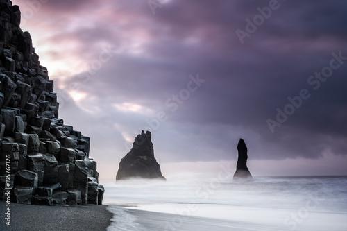 Fotobehang Aubergine reynisfjara volcanic beach, iceland