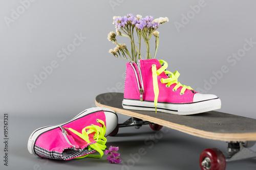 Fotobehang Skateboard Sneakers and skateboard