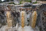 Ruinen natürliche Thermen in Bagno Vignoni, Toskana, Italien - 195833542