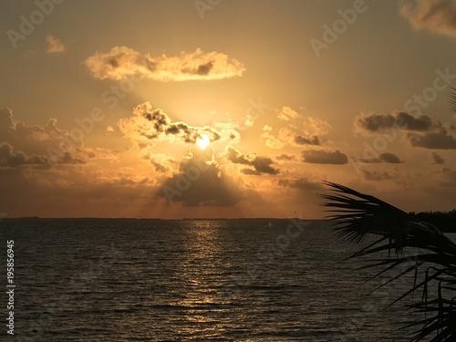 Foto op Aluminium Ochtendgloren caribbean Belize tropical sunrise