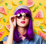 Young girl with purple hair and sunglasses - 195922541