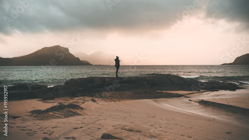 Staande foto Zee zonsondergang Solitude and silence in Haukland beach