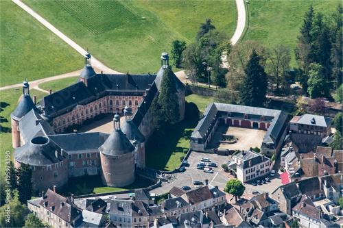 Foto op Canvas Nice vue aérienne du château de Saint Fargeau dans l'Yonne en France