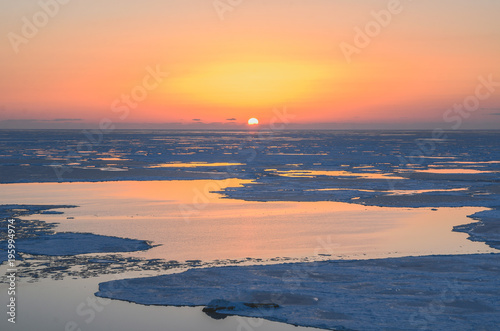 Staande foto Zee zonsondergang Sakhalin sunset