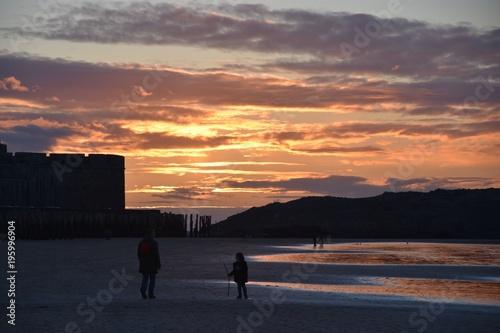 Fotobehang Strand saint-malo, coucher de soleil