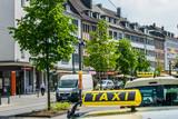 Taxi in der Innenstadt Solingen - 195999717