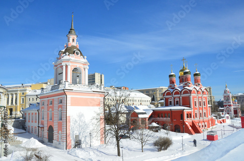 Fotobehang Moskou Москва, улица Варварка. Знаменский монастырь