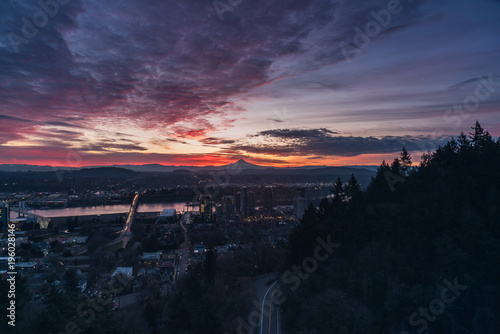 Aluminium Aubergine Sunrise over Portland Oregon
