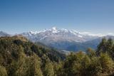 Грузия. Горы в Местии.  - 196050370