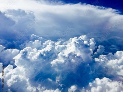 piekne-chmury-niebieskie-niebo