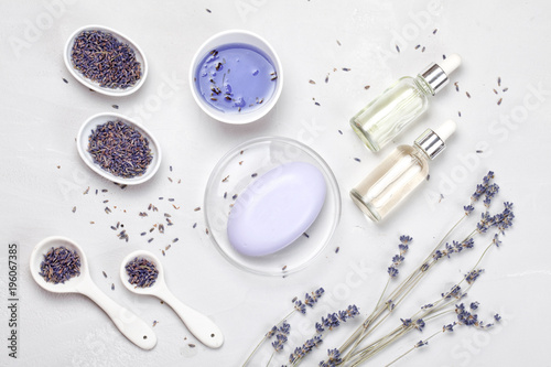 Foto op Canvas Spa lavender body care products. Aromatherapy, spa and natural healthcare concept