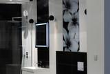 Piękna nowoczesna łazienka z kabiną prysznicową - 196078569