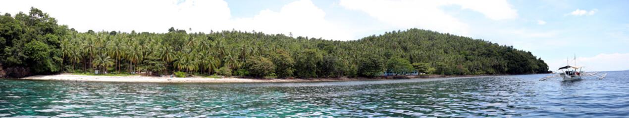 Auslegerboot vor der Küste von Panaon Island