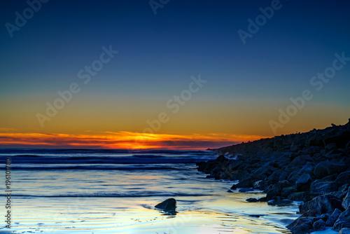 Staande foto Zee zonsondergang Ocean Sunset Along The Jetty
