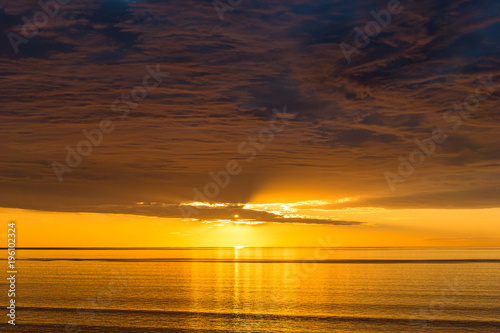 Aluminium Zonsopgang Spectacular sunset nature background