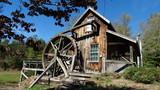 waterwheel cabin - 196113523