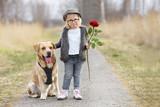 kleines Mädchen mit Hund - 196123919