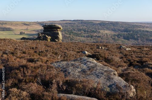 Foto op Canvas Diepbruine Mother cap and Rock formations, peak district, Derbyshire