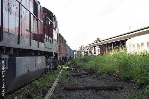 Fotobehang Spoorlijn Trem em perspectiva