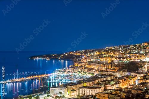 Fotobehang Nachtblauw Napoli dall'alto di notte