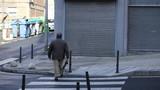 Gente paseando - 196223916