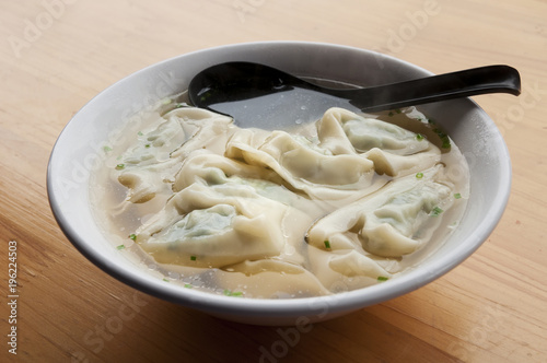 Foto Spatwand Shanghai Chinese dumpling soup