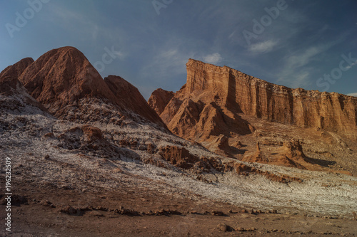 Foto op Canvas Diepbruine Valle de la Luna, Atacama, Chile