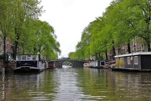 Poster Amsterdam Barki na kanale w Amsterdamie