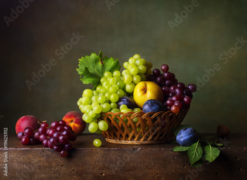 Still life with pears, grapes and plums © Marta Teron