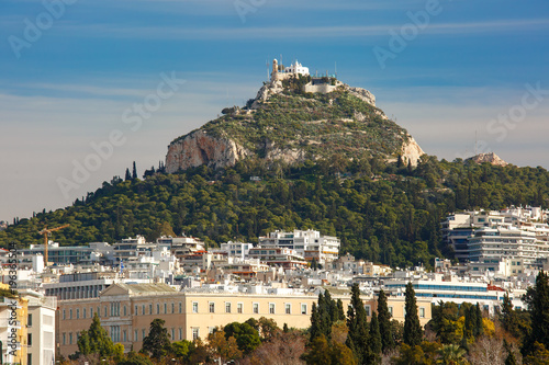 Tuinposter Athene Aerial city view with Mount Lycabettus in Athens, Greece