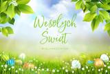 Życzenia wielkanocne, wesołych świat wielkanocnych w języku polskim, wiosenna łąka z przepięknym tłem i leżącymi jajkami wielkanocnymi w trawie