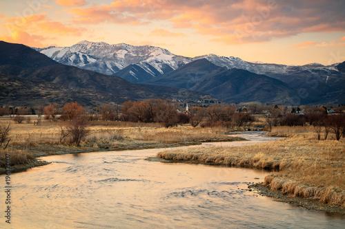 In de dag Beige Sunset glow in Heber Valley, Utah, USA.