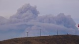 A huge cloud of smoke and ash rises from the Thomas fire in Ojai, California. - 196441166