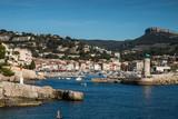 Port de plaisance du village de Cassis , en Provence