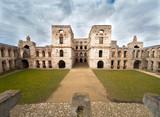 Malownicze ruiny zamku Krzyżtopór jednego z wiekszych zamków w Europie - 196472738
