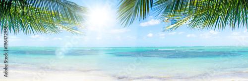 Leinwanddruck Bild Ferien, Tourismus, Sommer, Sonne, Strand, Meer, Glück, Entspannung, Meditation: Traumurlaub an einem einsamen, karibischen Strand :)