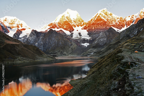 Foto op Canvas Zwart Huayhuash Mornings